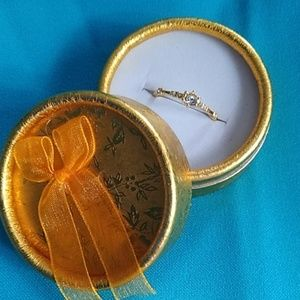 Diamond gold designer ring size 8